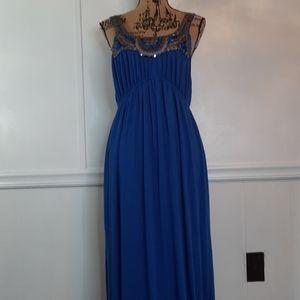 Dresses & Skirts - Ladies gorgeous long blue maxi dress. Q5